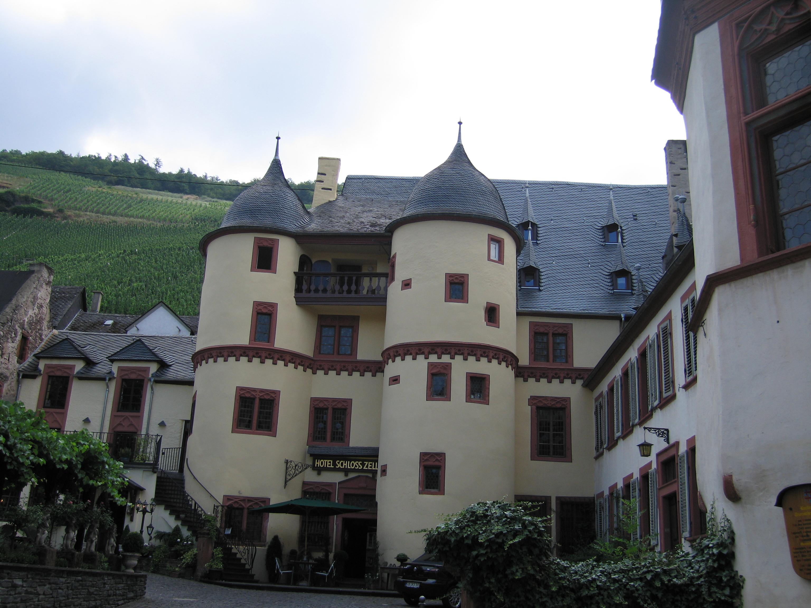 Zell Schloss