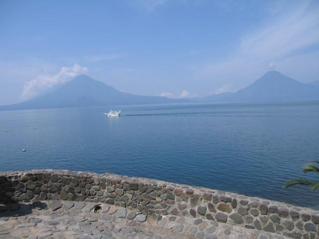 Lago Atitlan volcanes