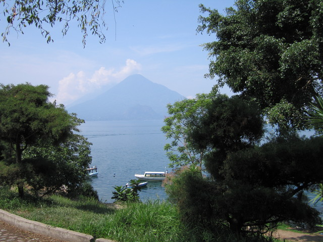 Lago Atitlan volcan Atitlan