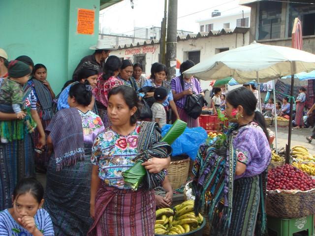 Kleidung verschiedene Trachten in Guatemala