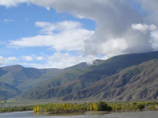 am Lhasa-Fluss