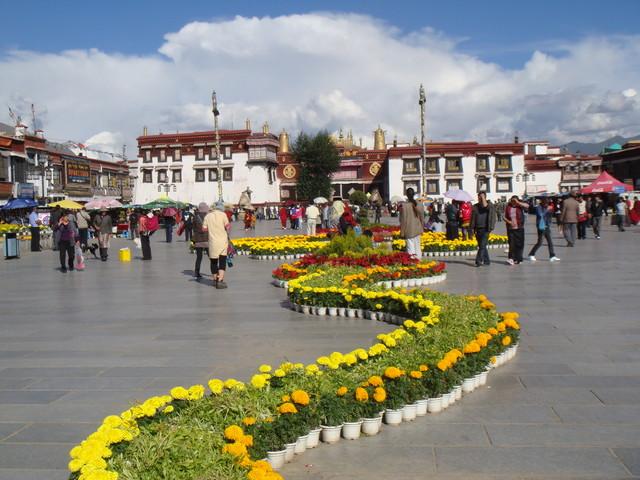 Barkhor vor dem Jokhang Tempel in Lhasa