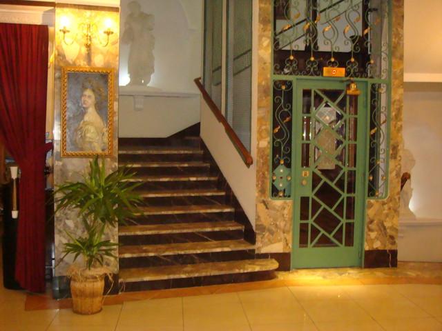 im Hotel Astoria