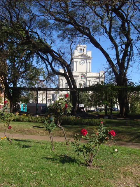 Plaza Blick auf die Polizeistation