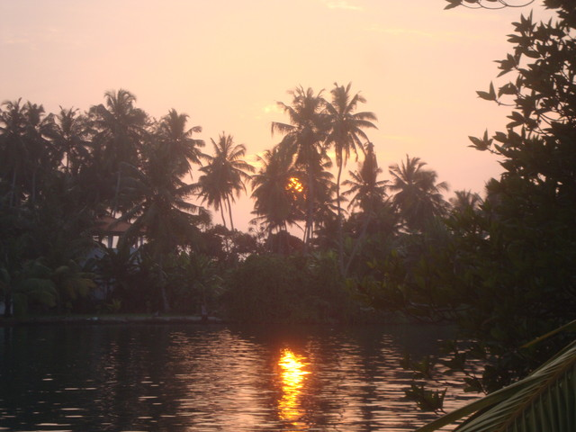 Sonnenuntergang am Bentota River