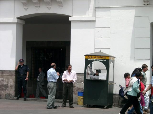 Calle tipica de Quito