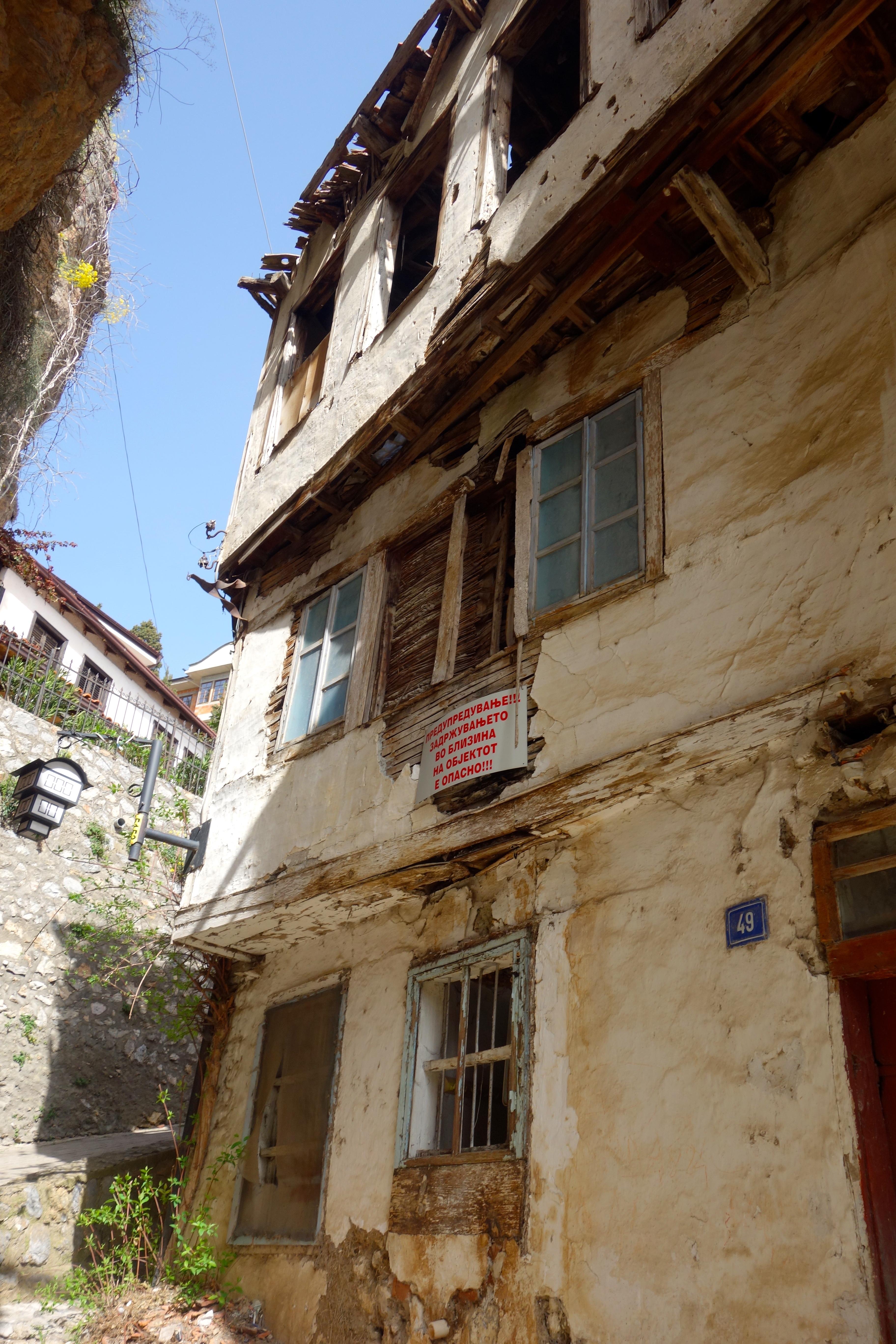 Ohrid verfallende Altstadthäuser