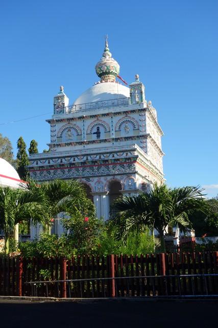 der größte Hindutempel auf Mauritius in Triolet