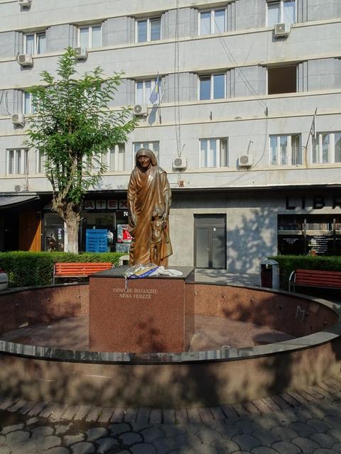 Mutter-Theresa-Denkmal in Pristina