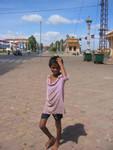 Bettelkind in Phnom Penh am Sisowath Quay