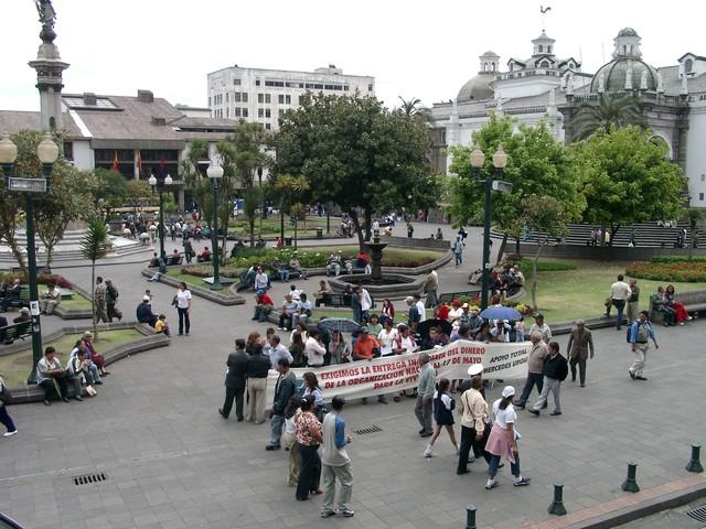 plaza grande en Quito